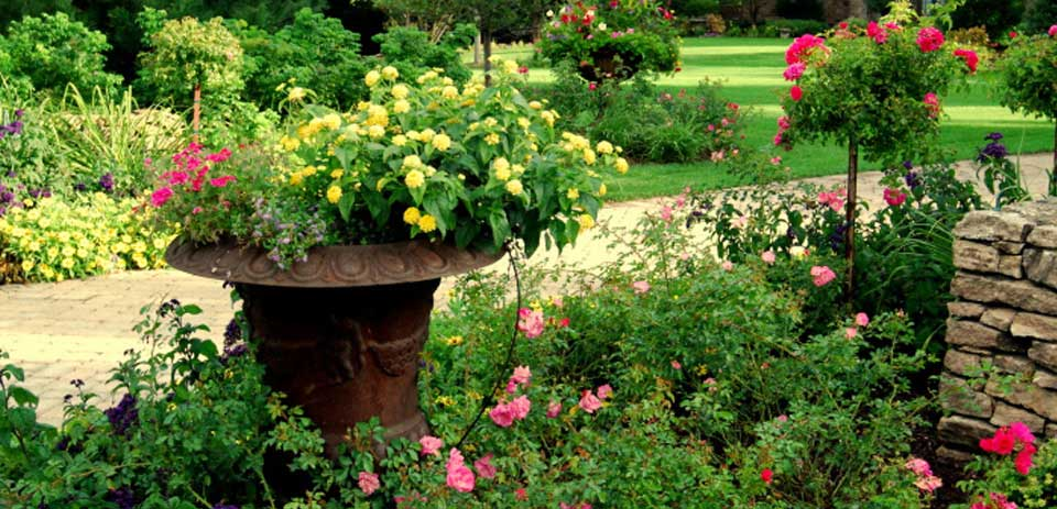 High End Landscape Planting Services from Heins Nursery, Woodbury, Minnesota.